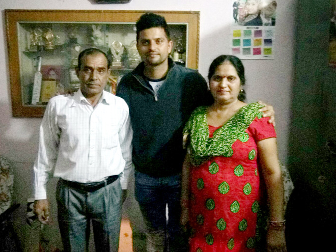 Suresh Raina visits maternal uncle