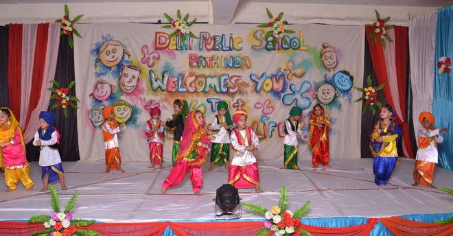 Children present story of four countries at school function - Annual function theme ideas ...