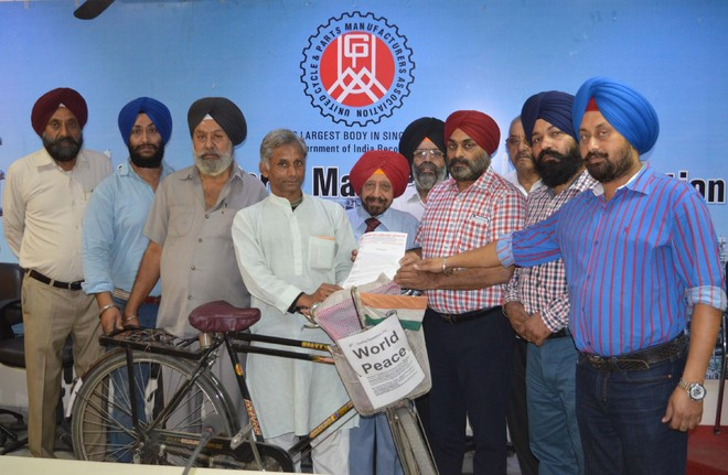 Pedalling from Mumbai to Kolkata for a cause