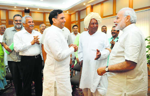 Modi meets Jats, promises legal fix to OBC quota tangle