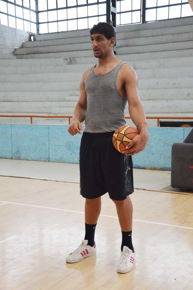 Punjab hoopster Satnam Singh is first Indian in NBA, picked by Dallas ...