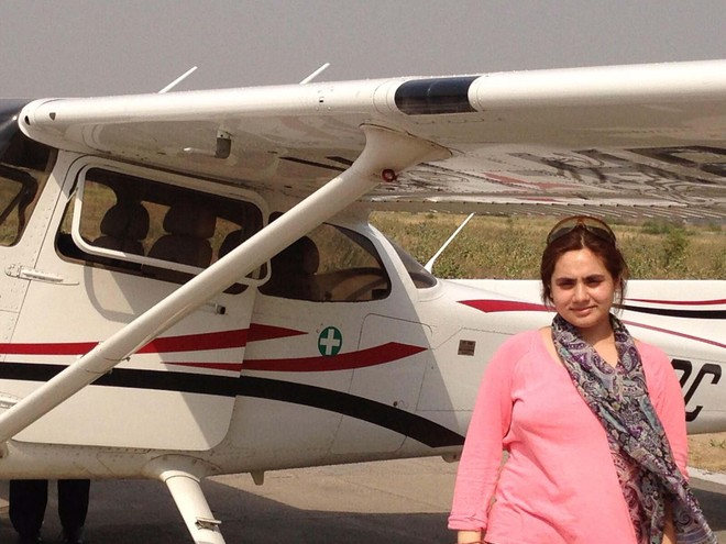 Tanvi Raina first Kashmiri girl to become a Commercial Pilot