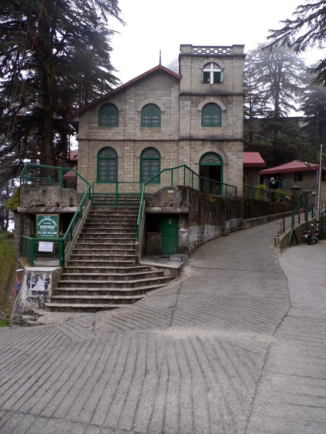 Foreigners learn Hindi, other languages at Landour school