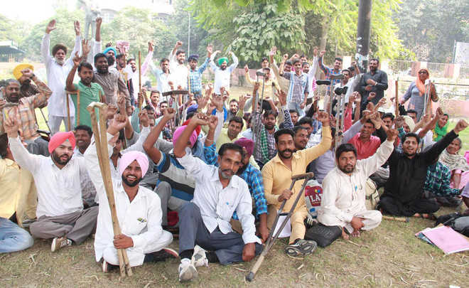 Physically challenged assn protests, threatens to intensify stir
