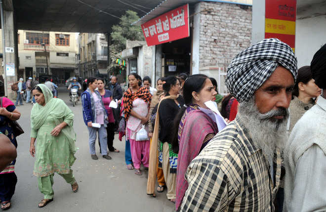 Liquor vend near post office giving a tough time to women in
