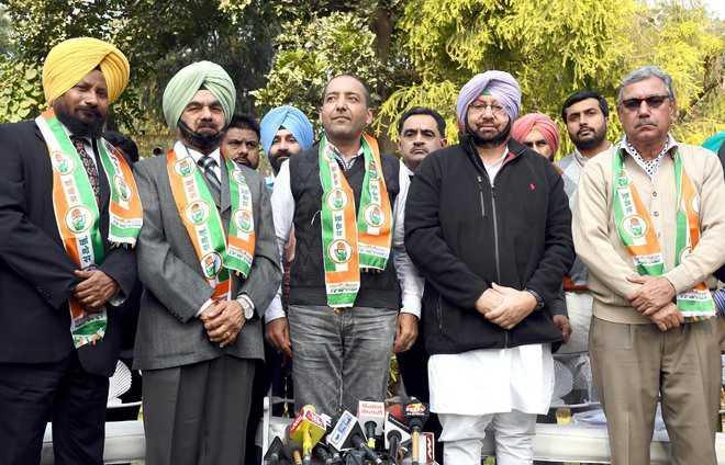 Four AAP leaders join Congress