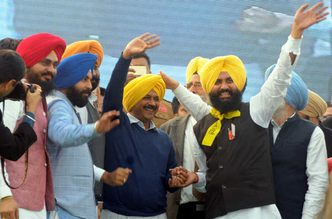 Kejri opens up on syl says no question of sharing water for Jaswant s bains