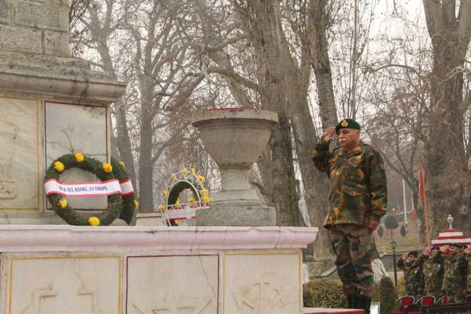 Chinar Corps pays tributes to martyrs on Vijay Diwas