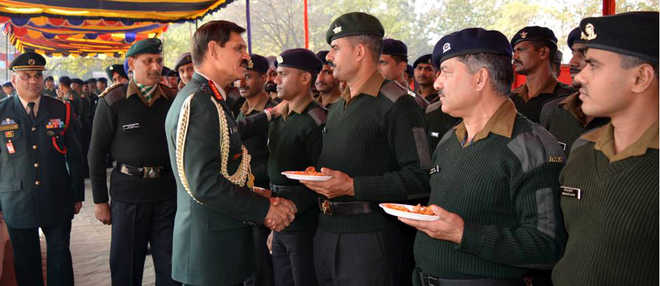 Army chief on farewell visit to Western Command