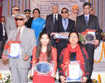 Governor honours 5 visually challenged