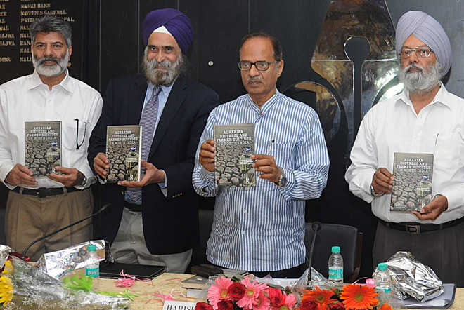 2 books on agrarian crisis released