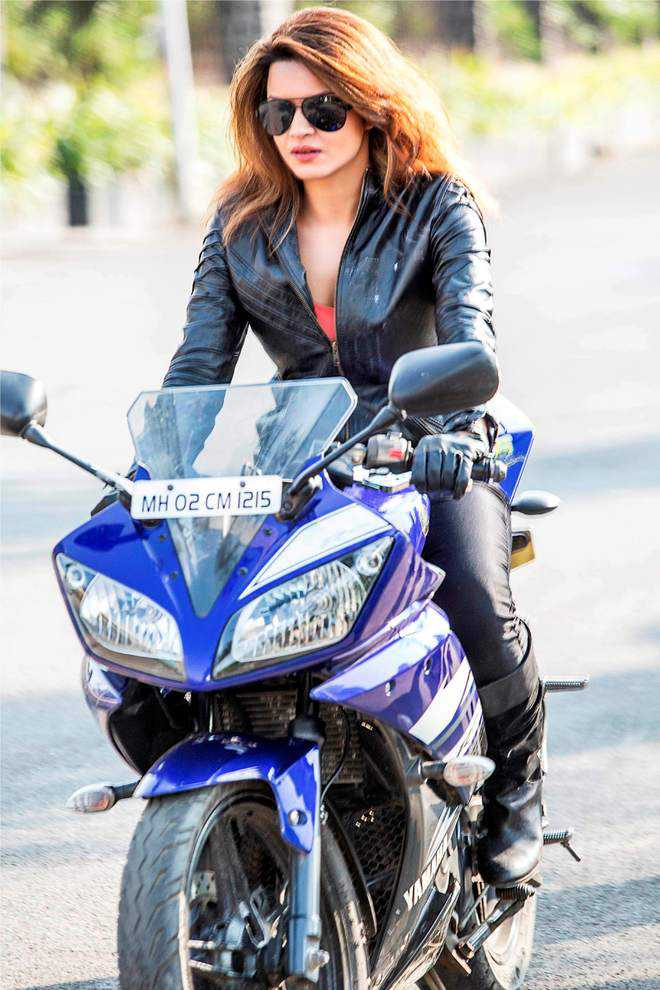 Interview with :      Telly star Aashka Goradia opts for open spaces for daily workout over the regular gyms