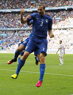 Italy end Spanish reign