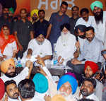 Congress stalwart's son in Sukhbir's 'darbar' for grant