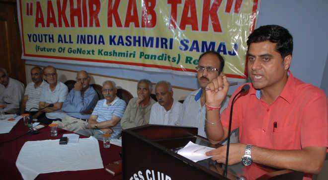 Pandits observe 'black day' in memory of 1931