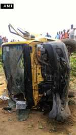 8 schoolchildren killed as train hits minibus at unmanned crossing in UP