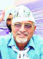 Gandhi launches front, but says won't quit AAP