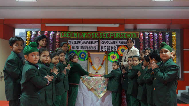 The staff and students of Green Land schools pay tributes to founder ...