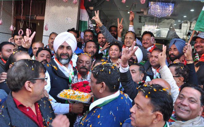 Manpreet woos city traders, party overlooks election code of conduct