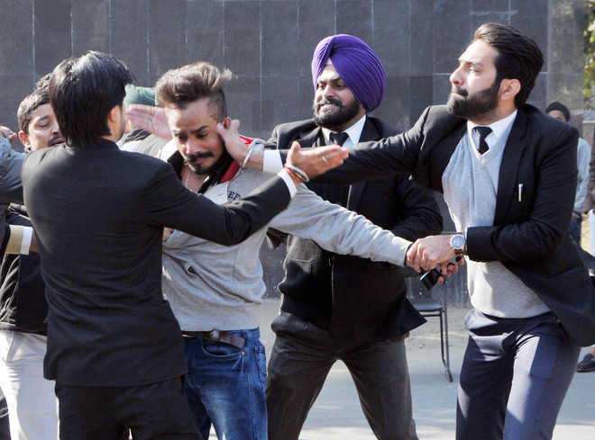 Bar Assn members thrash youth during protest