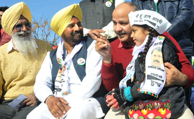 Punjabi vs outsider rift post Sisodia's Kejri pitch