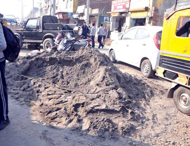 Construction material on roads irks commuters