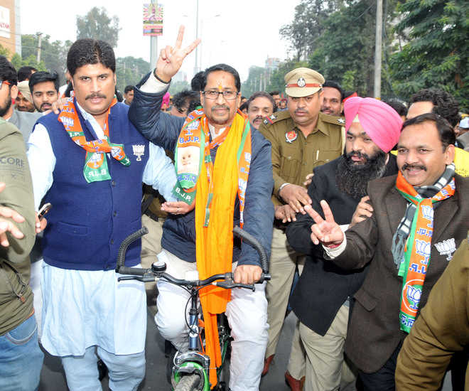 Joshi, Jyani file papers without party letter