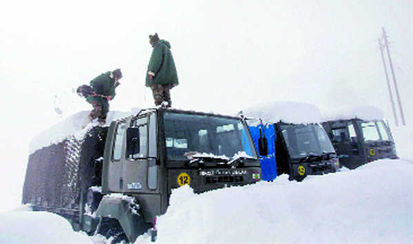 14 soldiers die in J&K avalanches