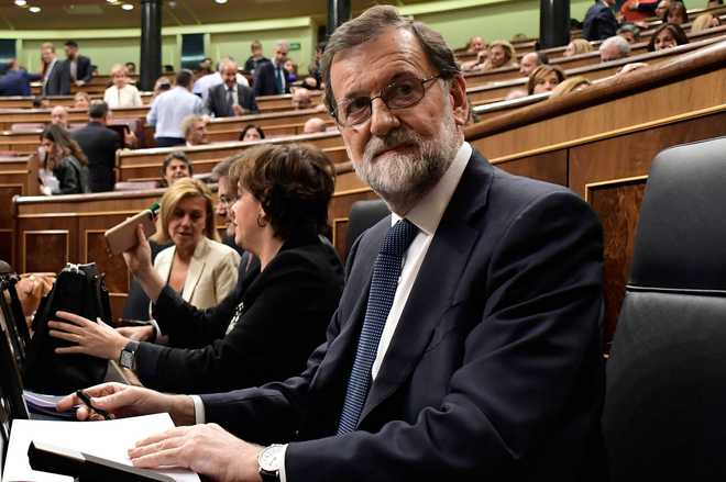 Spain gives Catalan leader 8 days to forego independence bid