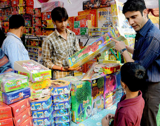 Mohali cracker dealers not happy with court order