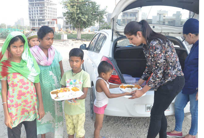 These youngsters make sure poor don't go hungry
