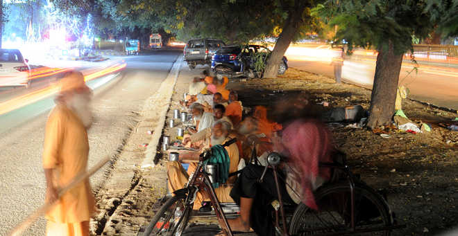 Residents complain of nuisance outside temple