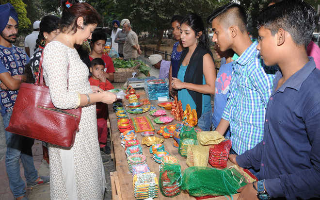 NGOs hold events for bringing cheer to the needy