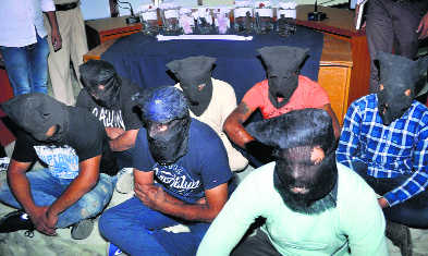 Cops leave for UP to arrest dealer who sent arms to gangsters