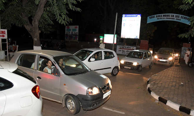 Tap alternatives to ease festive rush on roads in tricity