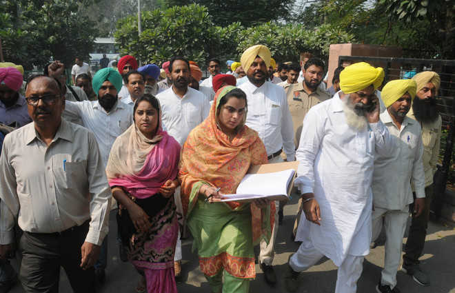 Stubble-burning: AAP demands aid for farmers