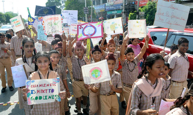 Students campaign for green Diwali