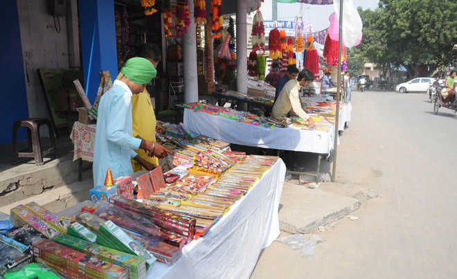 Admn fails to check illegal sale of firecrackers