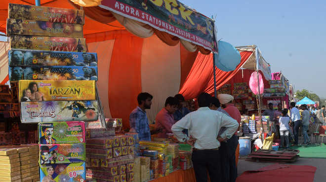 On Diwali eve, residents comply with HC orders on crackers