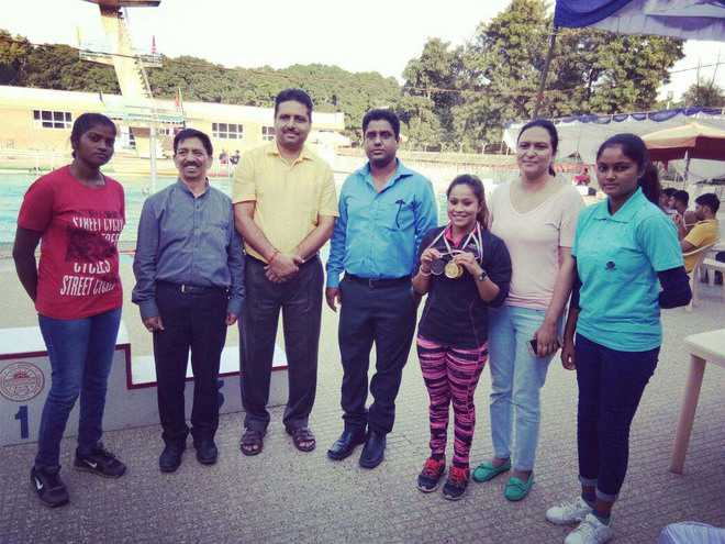 KCW shine in diving contest