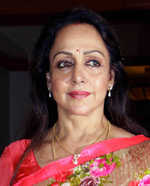 I share beautiful relationship with Sunny, Bobby: Hema Malini