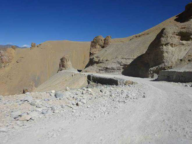 Weather permitting, road to Leh open till Dec 31
