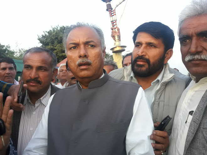 Jat leader Malik faces oppn from within