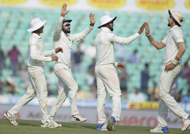 lankans in a spin