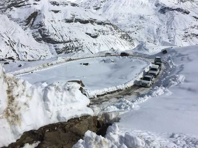 Manali-Keylong highway shut due to harsh weather