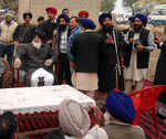 Badals out of power, dhadis out of favour