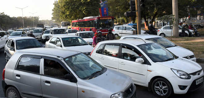 Chaos on roads leaves commuters in lurch