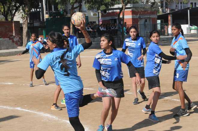 Handball meet: Bathinda, Amritsar reach final