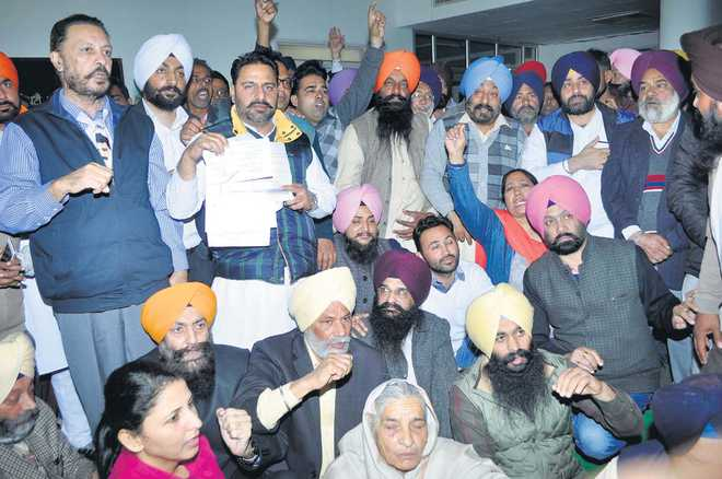 41 nominations rejected, SAD, AAP workers protest