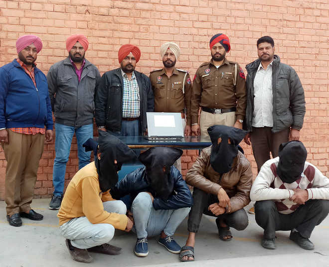Gang of gamblers busted, 4 held